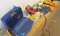 Povezava el.omarice ter izdelava nalepk za oznake varovalk