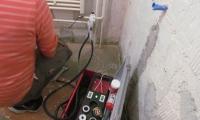 Vzdrževalno delo na instalaciji centralnega ogrevanja,zamenjav radiatorja v zimskem času