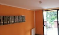 Pleskanje predprostora v stanovanjskem bloku